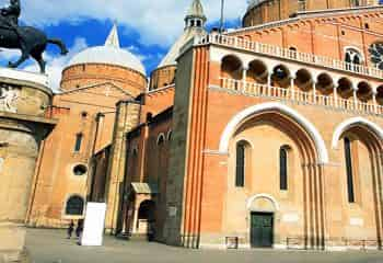 Guided tour in the Basilica di Sant'Antonio