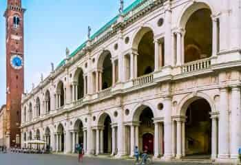 Guided walking Tour of Vicenza